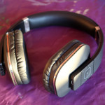 August EP650B Bluetooth Wireless Stereo Headphones