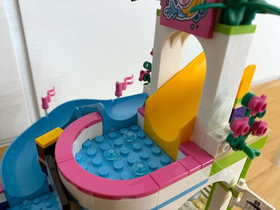 LEGO Friends 41313 Heartlake Freibad Rutsche oben
