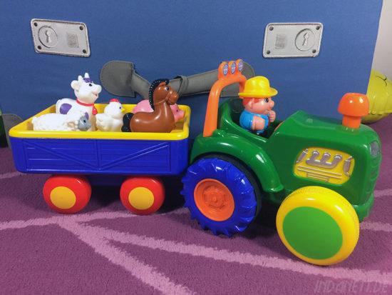 KiddieLand Traktor mit Anhänger