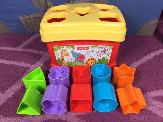 Mattel Fisher-Price K7167 Steckbox/Formensortierspiel mit Formen