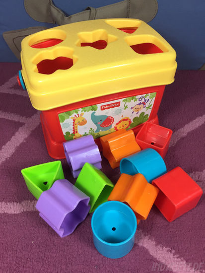 Mattel Fisher-Price K7167 Steckbox/Formensortierspiel zu mit Formen